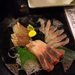 日本酒バル 蔵吉 - のどくろ入り刺身三点盛り