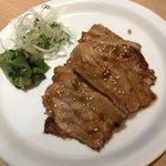 東京カルビ - 豚焼き 800円