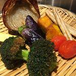 素揚げ酒場 パリパリ - 野菜の素揚げ 5種盛り合わせ