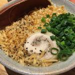 素揚げ酒場 パリパリ - 鶏チャーシューチキンラーメン