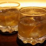 和ビストロ [i:z] 梅酒 × modern living - 梅酒をロックで(梅ほのか:750円とあと何だっけ・・・)