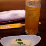 和ビストロ [i:z] 梅酒 × modern living - 先付けと紅茶の梅酒(950円)