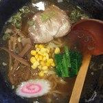道産麺 - 料理写真:手打ち醤油ラーメン580円