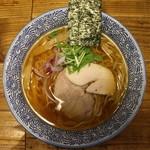 麺や金座 - 焼き鰆の中華そば(醤油、800円、真上から)