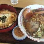 一休食堂 - ラーメンカツ丼セット 920円