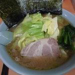 梅浜亭 - キャベツラーメン800円