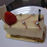 ヌーベルパティスリー  ともなが - チーズケーキ