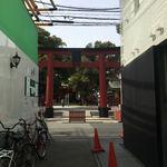 淀屋橋 うおじ - その他写真:御霊神社正面の路地にありますよ