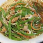 上海料理 随苑 - 青椒肉絲麺、具感