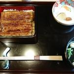 恵比寿 鰻 松川 - お吸い物とお漬物
