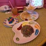 KAWAII MONSTER CAFE HARAJUKU - KAWAII MONSTER CAFE HARAJUKU〜カクテルノンドラッグ・カラフルレインボーパスタ・フレンチフライwithモンスターディップ・カラフル ポイズン CAKEクォーター