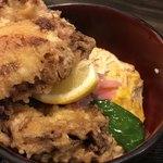 薩摩うどん - 唐揚げの下には、玉子丼が