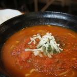我達食堂 - ソバ出汁とトマトの相性が抜群です。