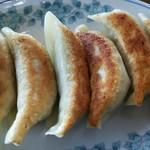 台湾料理 全家福 - 料理写真:餃子6個。