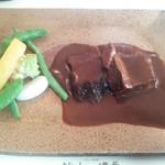 ビストロ備前 - じっくりと柔らかく煮込んだ牛タンのシチュー