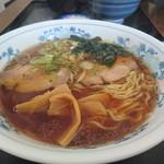 満腹食堂 - 醤油ラーメン550円