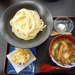 下野うどん草庵 - 鴨汁うどん(かき揚げ付)