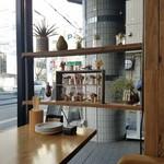 IZAKAYA □1 - 雑貨屋さんみたいな雰囲気の居酒屋