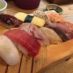 82243788 - 上にぎりセット1150円♫+炙り海老マヨ