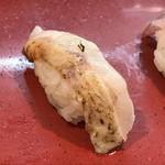 Kanazawamaimonzushi - 炙って削った岩塩でいただく最高に美味しいのどぐろ!!