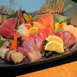 夜景一望・東京風情・旬魚備長 ~結花~ - 漁師町の板盛り980円