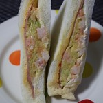 サンドイッチ工房 サンドリア - エビシラチャーサンド(270円)