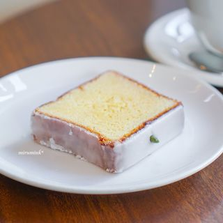 オクサワ・ファクトリー・コーヒー・アンド・ベイクス - 料理写真:レモンケーキ