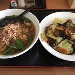 台湾料理 龍香 - 料理写真:台湾ラーメン+回鍋飯=700円