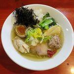 はまんど横須賀 - 料理写真:あご出汁ラーメン