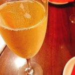 ビストロオーズ - スパークリングワイン 650円