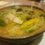 里弄 - カキと野菜のピリ辛鍋