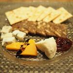 Restaurant & Wines ARISTA - チーズ盛り合わせ 2018年3月