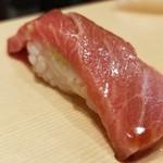 82262951 - ②中とろ                       中とろは、さっぱりとした味わい。                       多分、魚体サイズは小さいものだと思います。