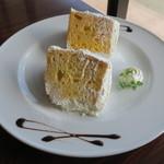 SPOON CAFE - 2種類のシフォンケーキ バニラ&伊予柑1