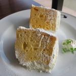 SPOON CAFE - 2種類のシフォンケーキ バニラ&伊予柑2