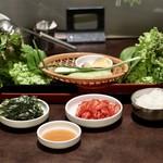 Wine:Korean sampa - 野菜盛りとキムチ、韓国海苔、ご飯