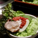 Wine:Korean sampa - 新鮮野菜とお肉、肉味噌、ご飯、韓国海苔を巻いて