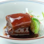 幸せ中国料理 ローズ上海 - 島豚の南乳煮