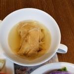 82275257 - 丸鶏スープ