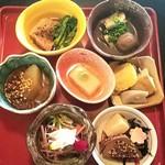 一之船入おくどはん 炙り肉とお野菜 - ランチ:おばんざい7種盛りZEN¥1000