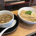 清麺屋 - 鶏もつつけ麺中  830円(税込)