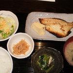 8228308 - つぼ鯛西京焼定食。1050円