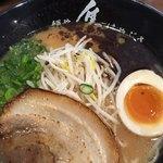 麺や はやぶさ - はやぶさらーめん(単品650円)醤油豚骨です