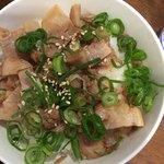 麺や はやぶさ - ちゃーしゅー丼(300円)ごはん180g