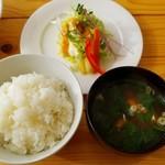 つばめ食堂 - 定食のメイン以外