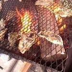 山安水産 - 焼き牡蠣