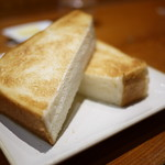 82289935 - ペリカンのトースト