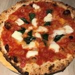 ジラソーレ リッコ - 世界優勝ピザです。