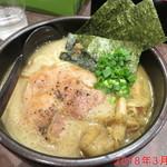 麺処 とりぱん - しょうゆ \770円