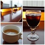 Mollete Grill - ◆スープはコンソメ風味で「キャベツ」入り。 ◆ドリンクは選べますので「アイスコーヒー」を。